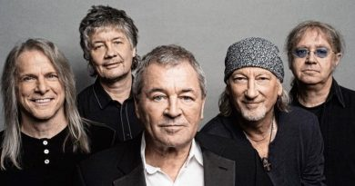 a recent photo of Deep Purple band members