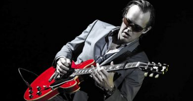 a photo of rock legend Joe Bonamassa